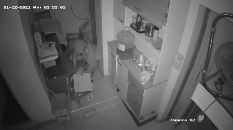 delincuentes-roban-de-una-tienda-mas-de-50-mil-soles-en-celulares-de-alta-gama-en-lambayeque