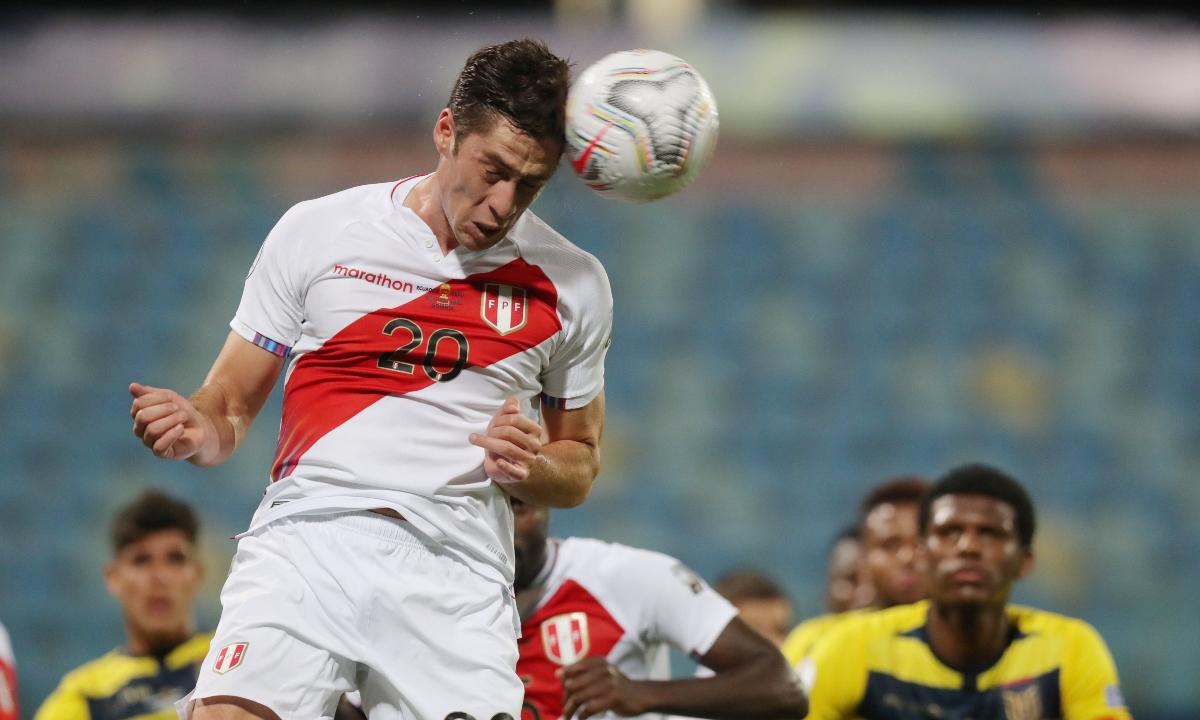 """Santiago Ormeño toma vuelo: ya está en ruta hacia Perú para unirse a la """"Bicolor"""" para Eliminatorias"""