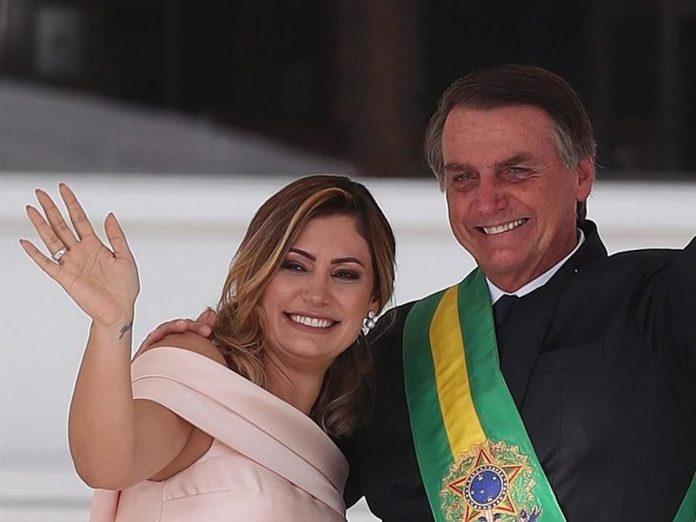 """Alcalde de Nueva York pidió a la esposa de Bolsonaro que """"envíe a su marido a vacunarse"""""""