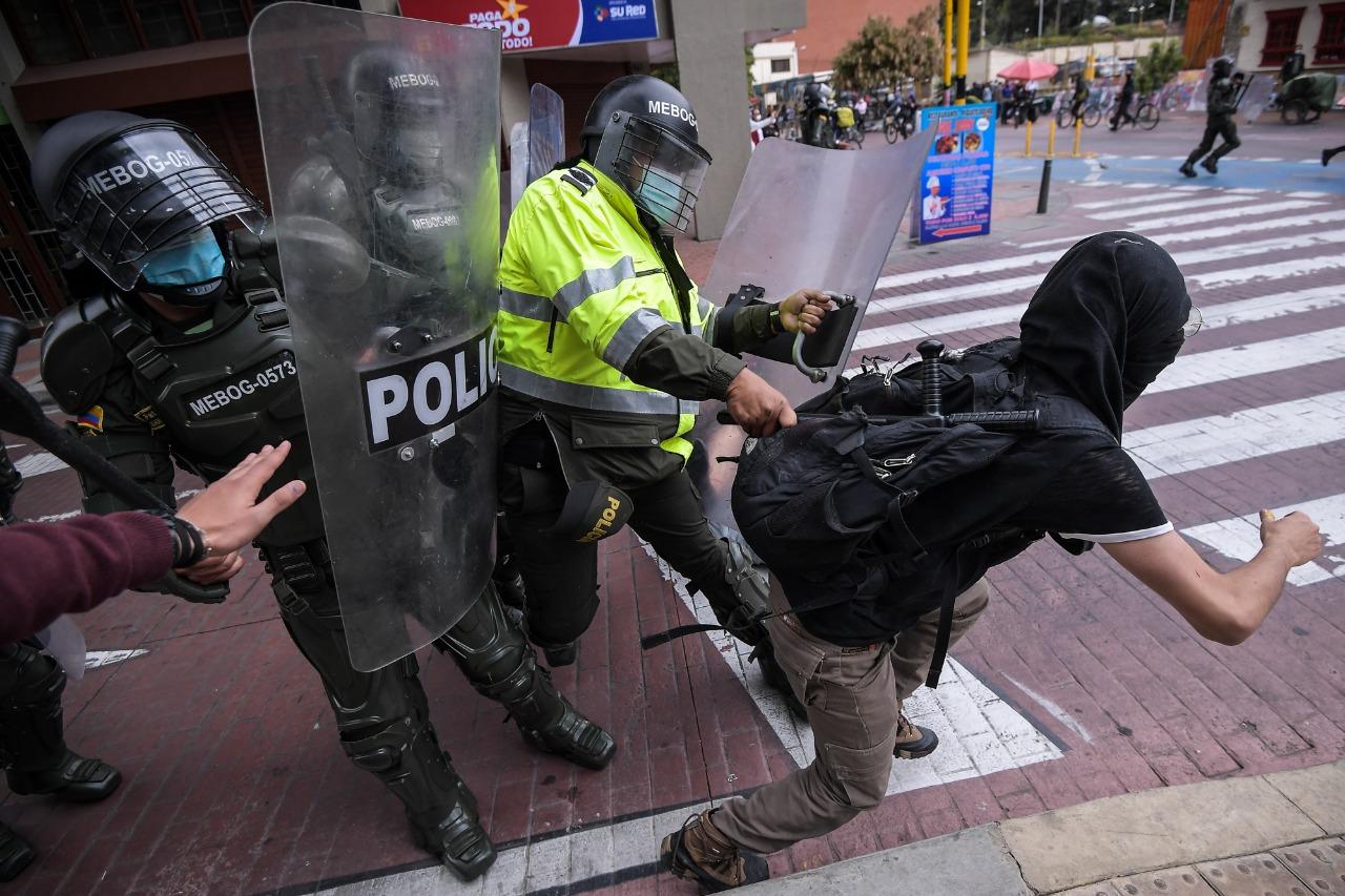 En Parlamento Británico critican casos de abuso policial en Colombia   EL  ESPECTADOR