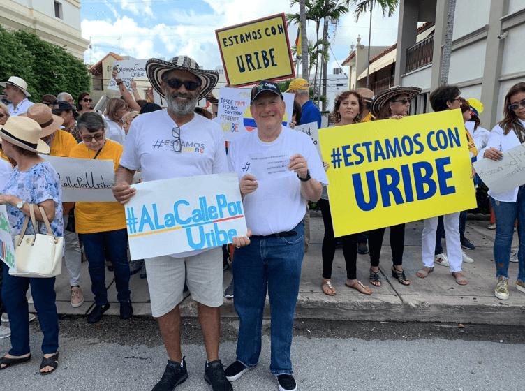 Comienzan las movilizaciones a favor de Uribe | EL ESPECTADOR