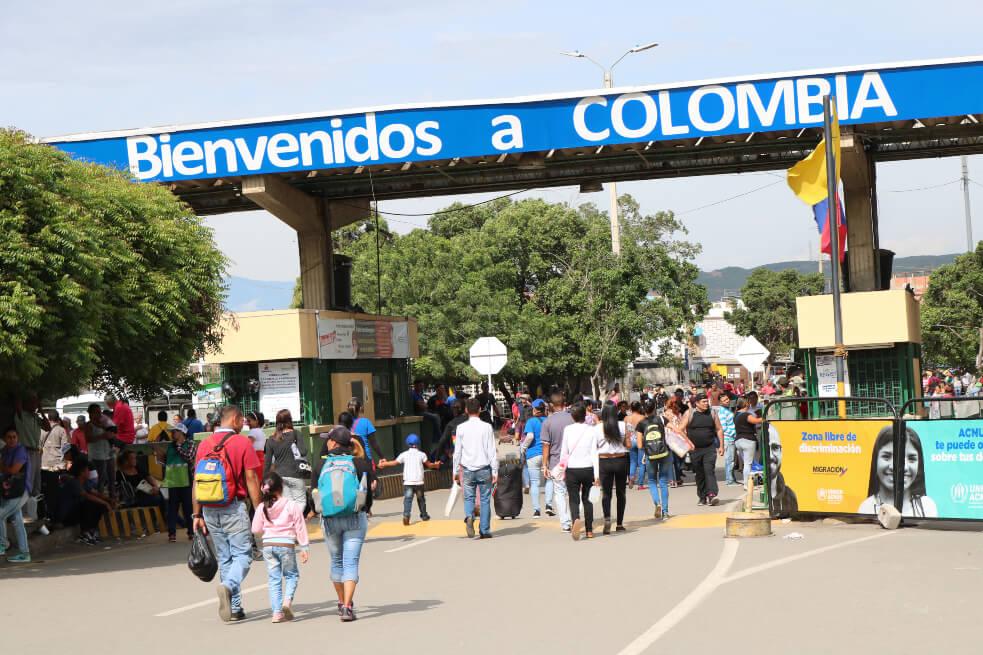 Gobierno anuncia que regularizará a los venezolanos en Colombia