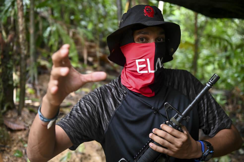 Así es el hombre tras el frente de guerra del Eln en Chocó | EL ESPECTADOR