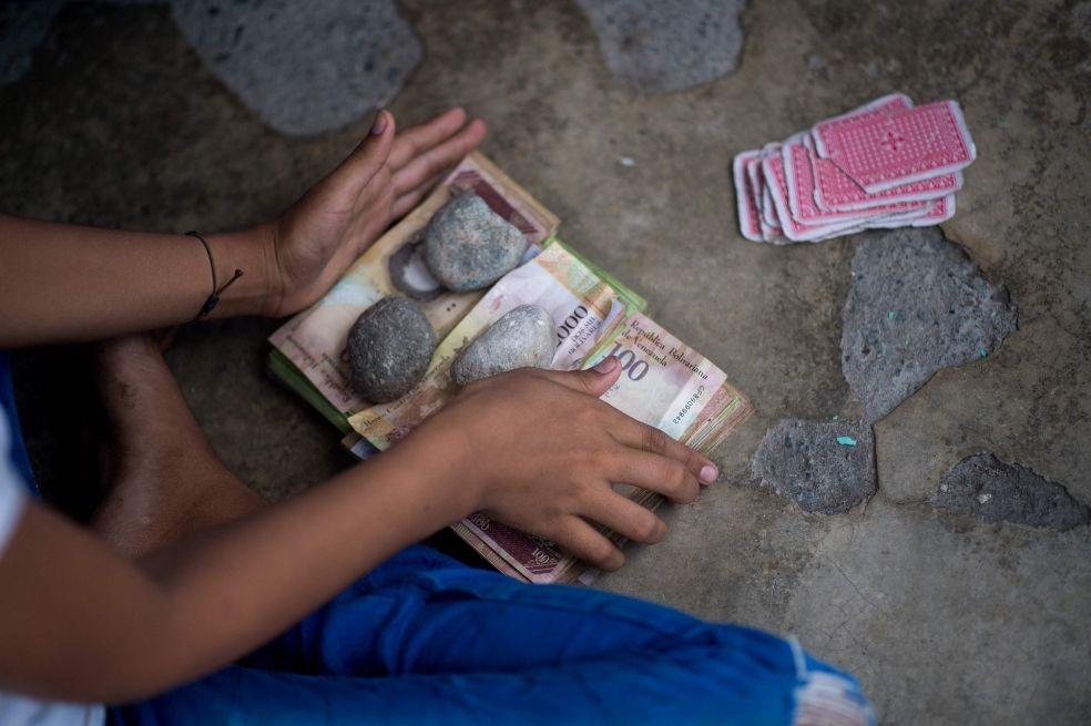 Abecé del bolívar en Venezuela, la hiperinflación y la eliminación de los ceros