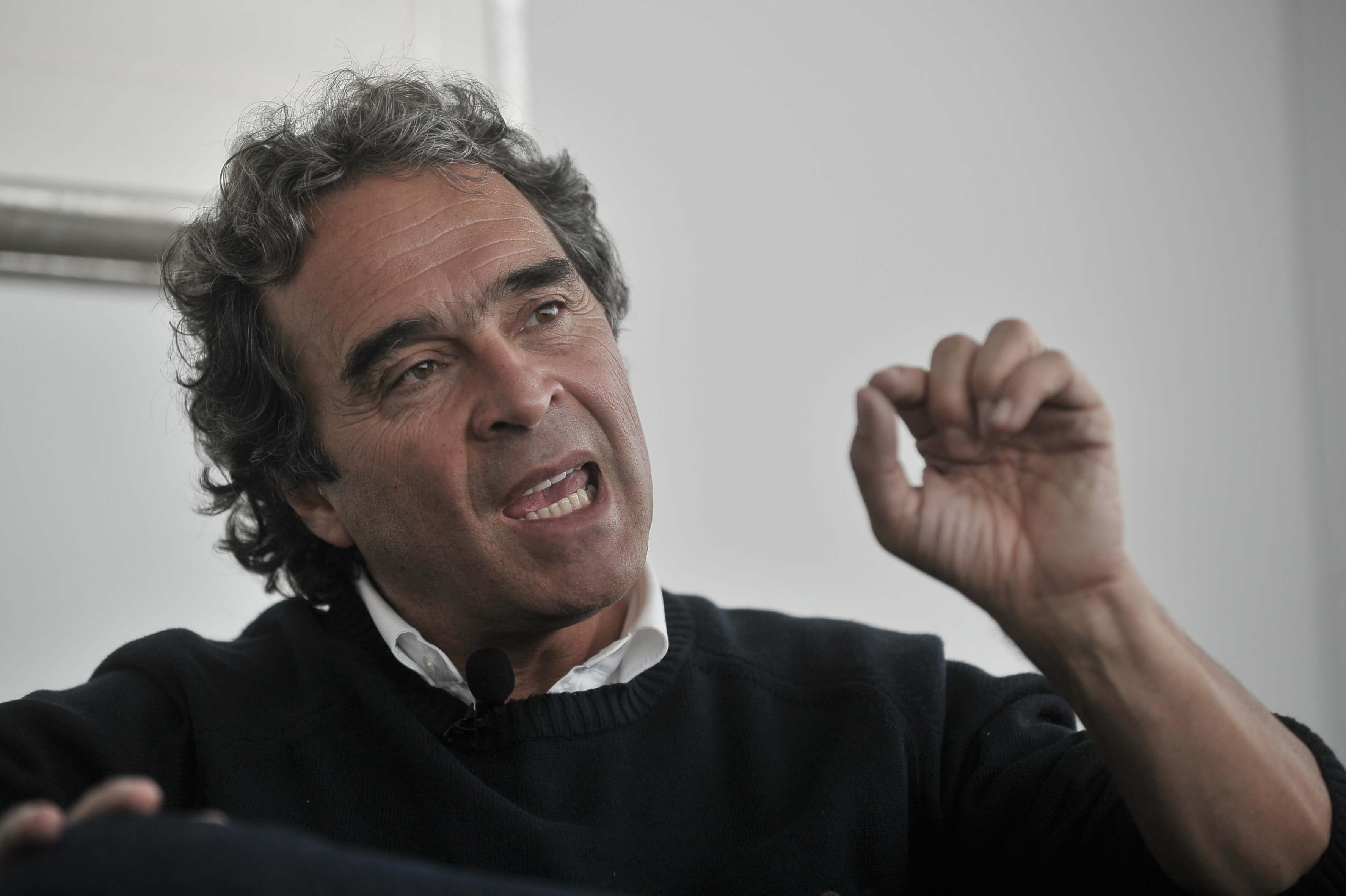 Sergio Fajardo se desmarca del caso de la ñeñepolítica   EL ESPECTADOR