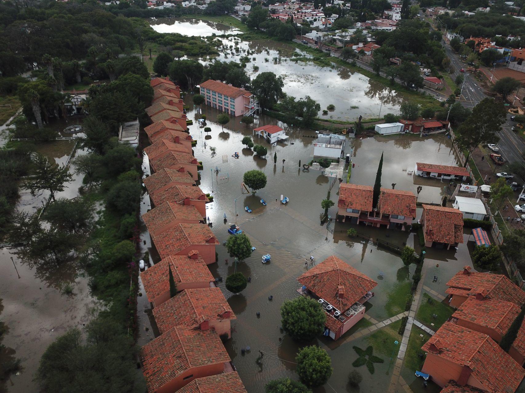 San Juan del Río, Querétaro, bajo el agua debido a inundación