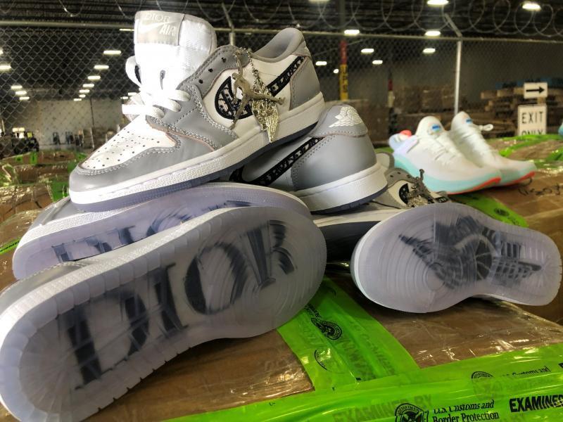 Fake Dior X Air Jordan 1 shoes seized in massive, $4.3M Texas bust ...