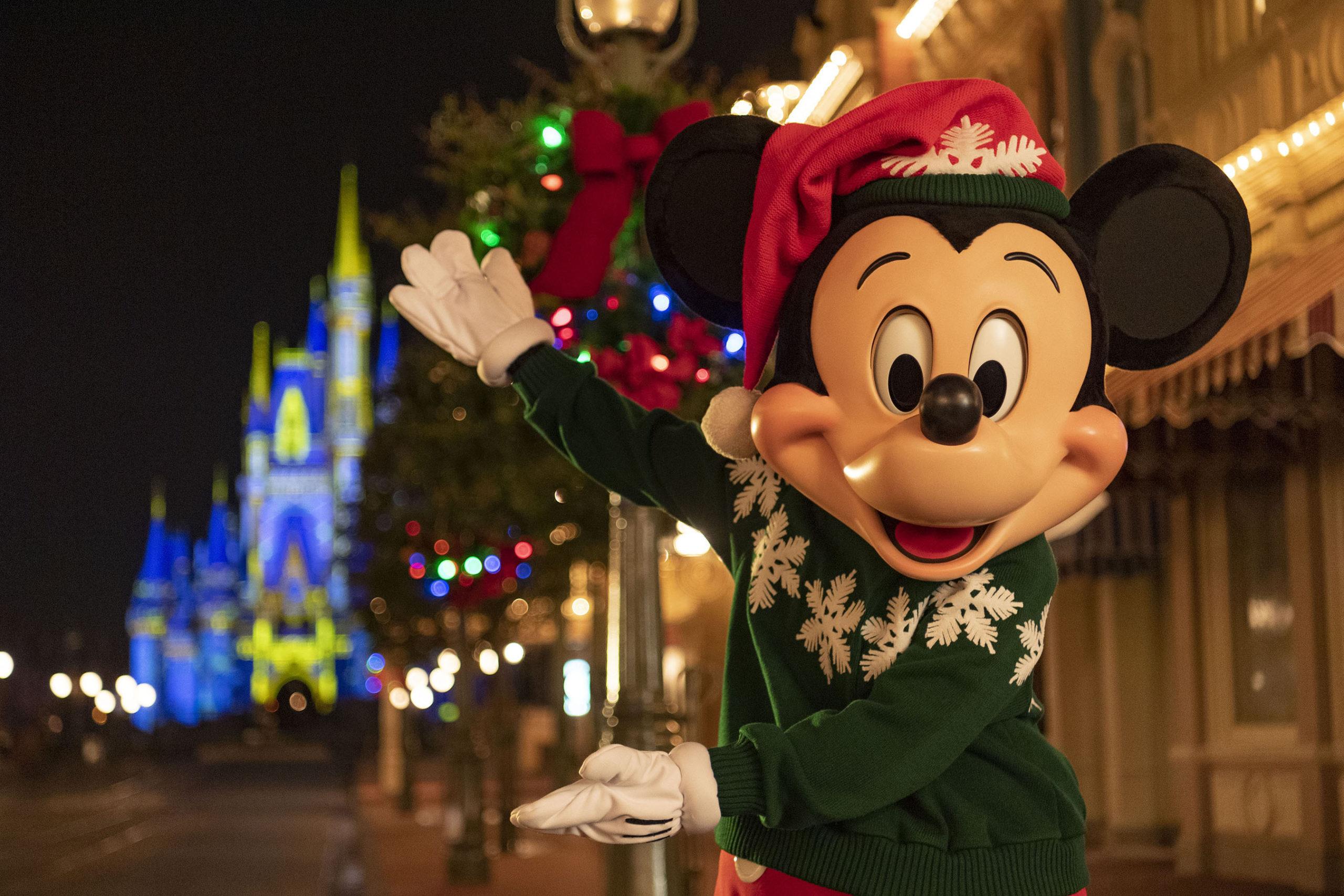Christmas Dinner Restaurants In Tampa 2020 Deck the halls: Walt Disney World reimagines 2020 holiday celebration