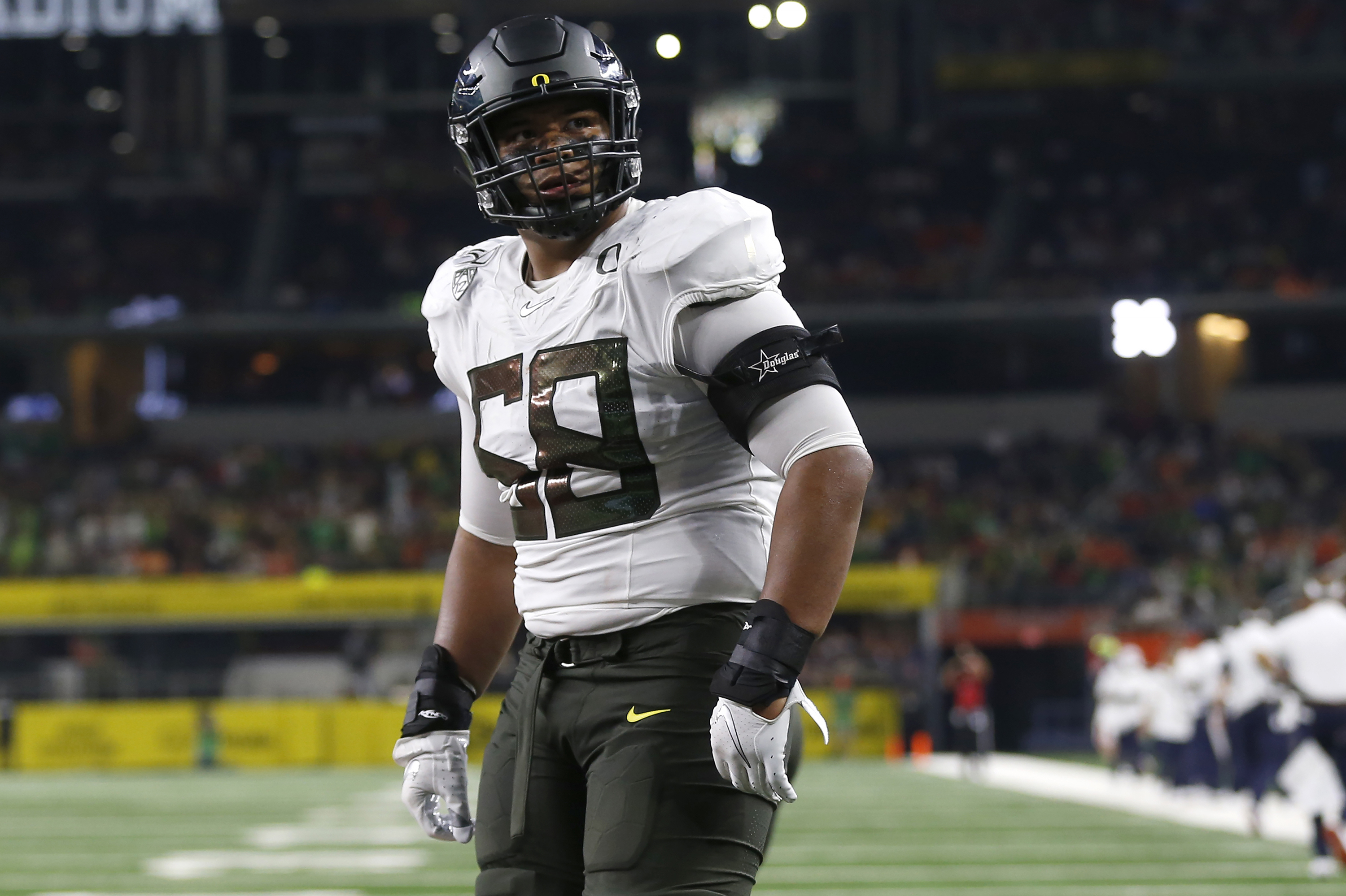 Detroit Lions Select Oregon Ol Penei Sewell With No 7 Pick In First Round Of 2021 Nfl Draft