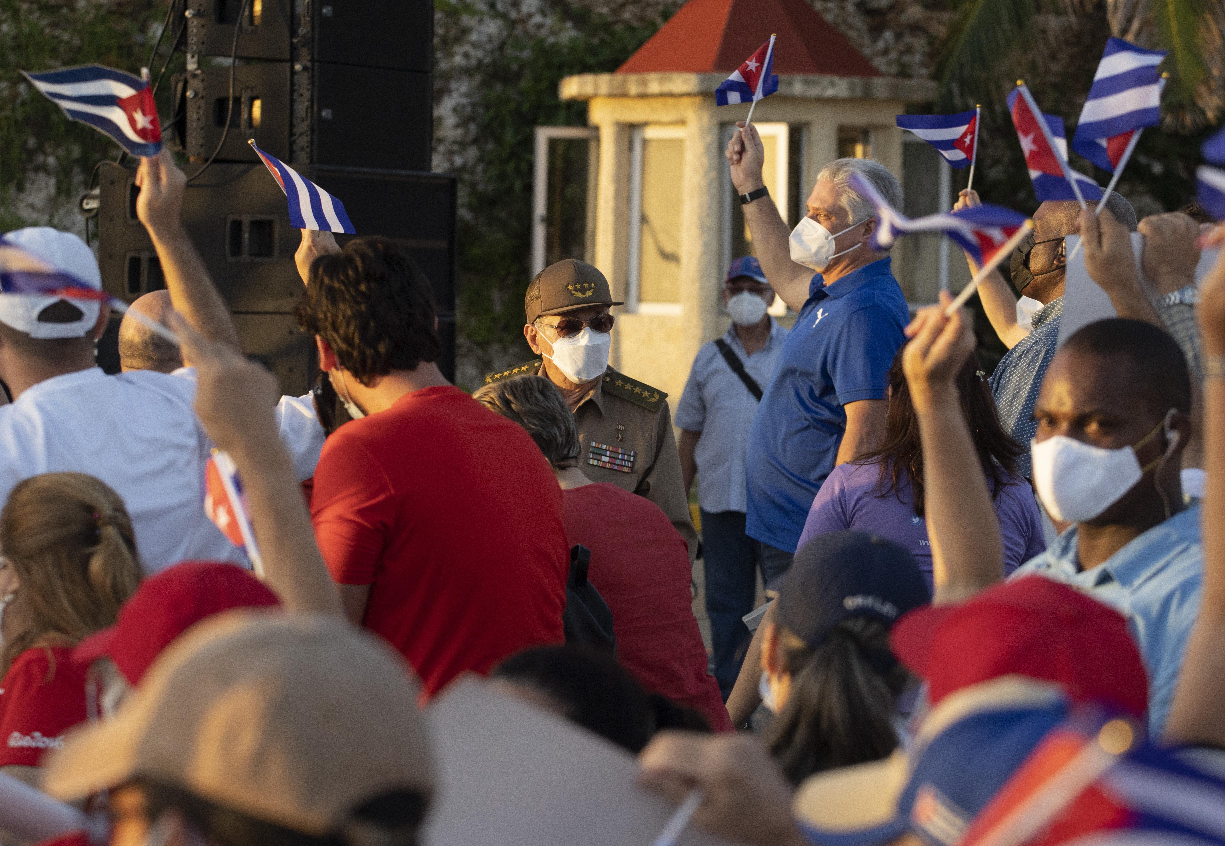 Symbolabbildung | Bildquelle: https://www.local10.com/news/politics/2021/07/27/mystery-in-cuba-5-high-ranking-generals-died-in-just-eight-days/ © FILE PHOTO (AP Foto/Eliana Aponte) | Bilder sind in der Regel urheberrechtlich geschützt