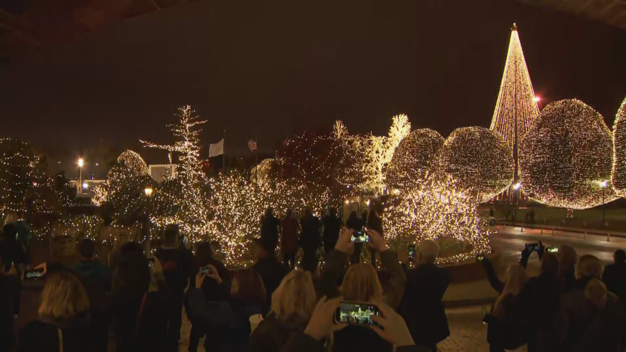 Opryland Christmas Lights 2021 Christmas Time Is Here Opryland Hotel Light Display Now Open For The Season