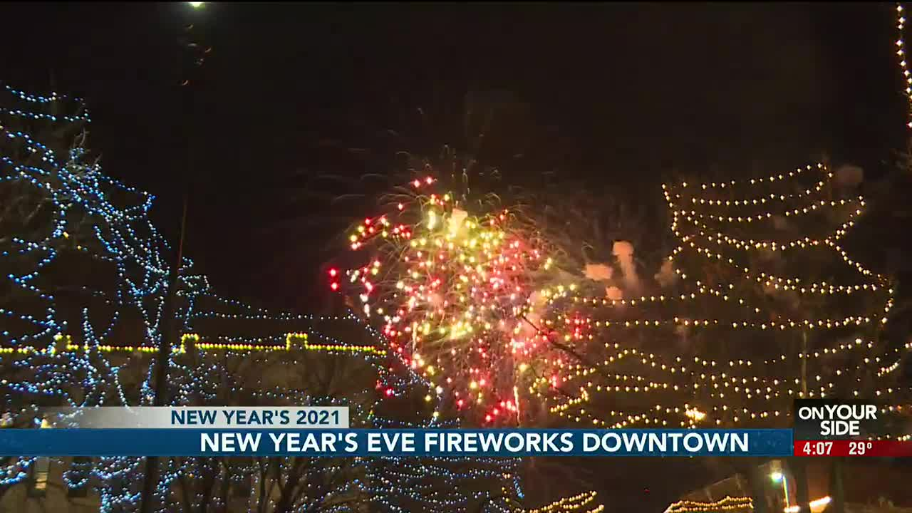 Christmas Radio Staion Omaha 2021 Ring In The New Year With Fireworks In Downtown Omaha