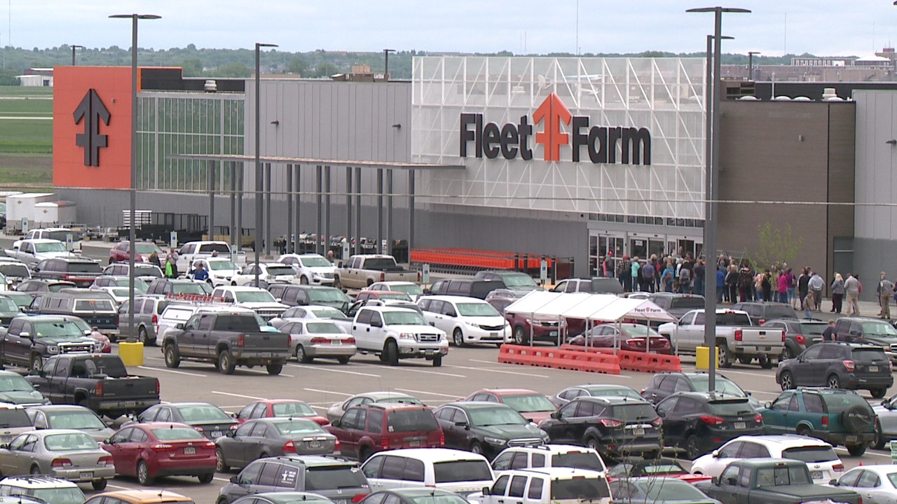 Fleet Farm Opens In Sioux Falls