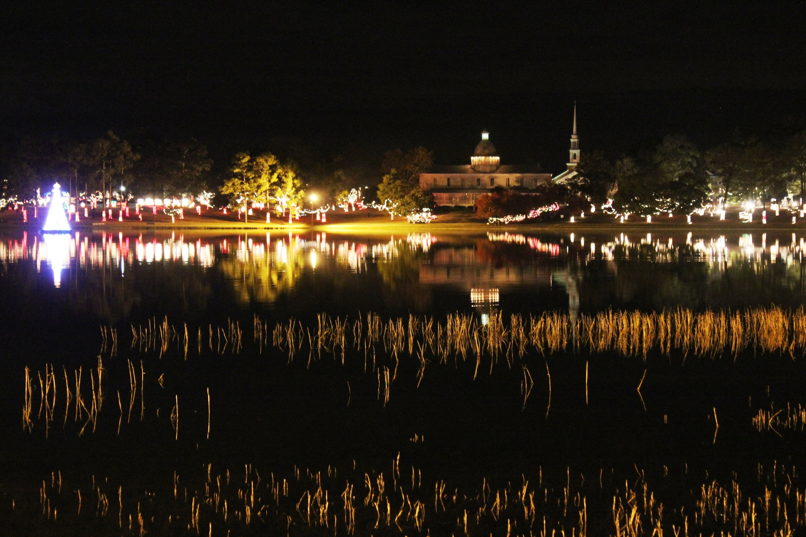 Defuniak Springs Christmas Reflections 2020 Millions of Christmas lights on display in DeFuniak Springs