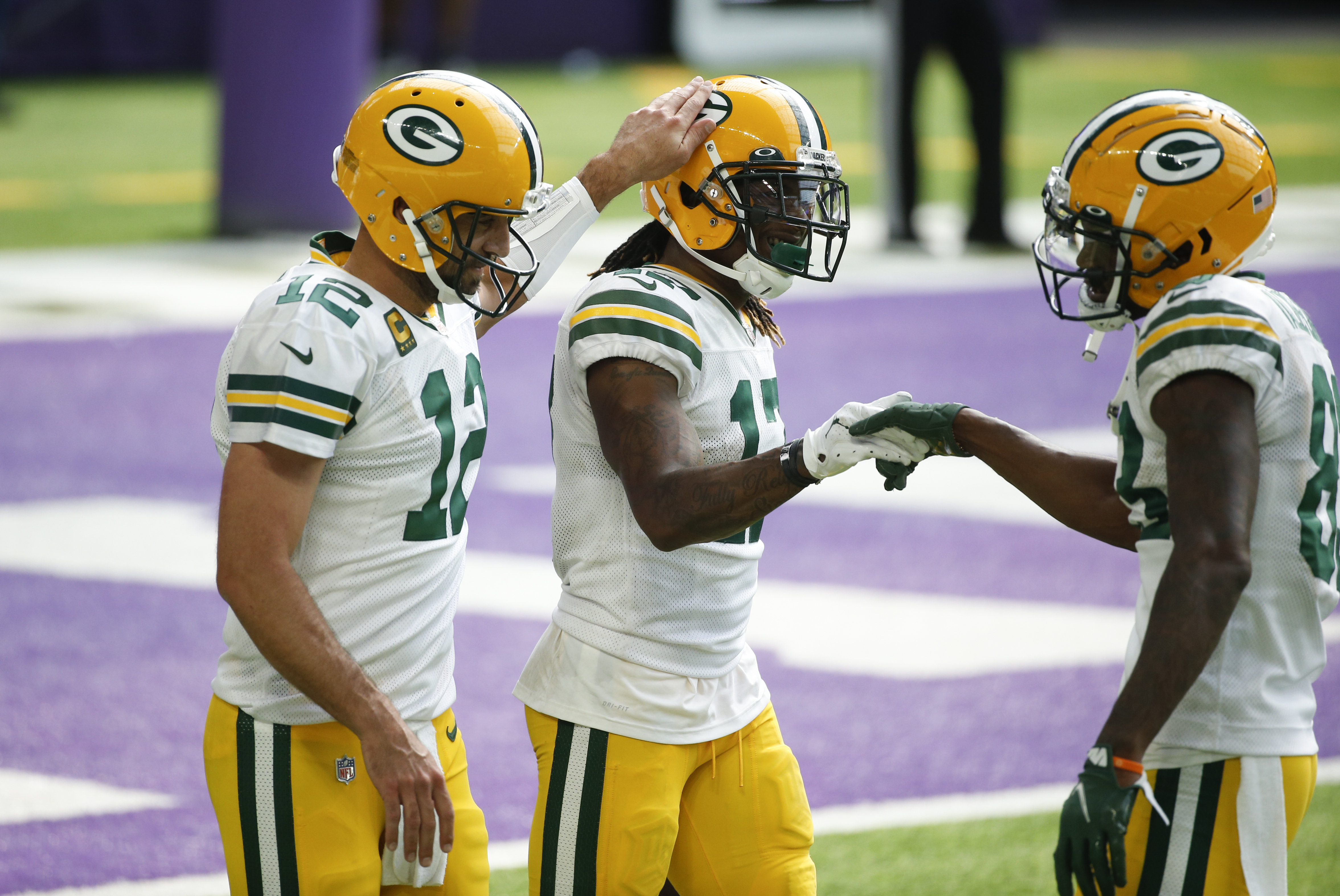 Packers Roll Past Vikings 43 34 Adams Ties Franchise Record For Single Game Receptions