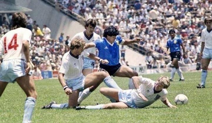 Maradona recuerda aquel partido en el que se eliminó a Inglaterra con el Barrilete Cósmico y la Mano de Dios.