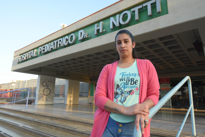Romina, la mamá de Gael, vive allí en el hospital junto con su hijito.