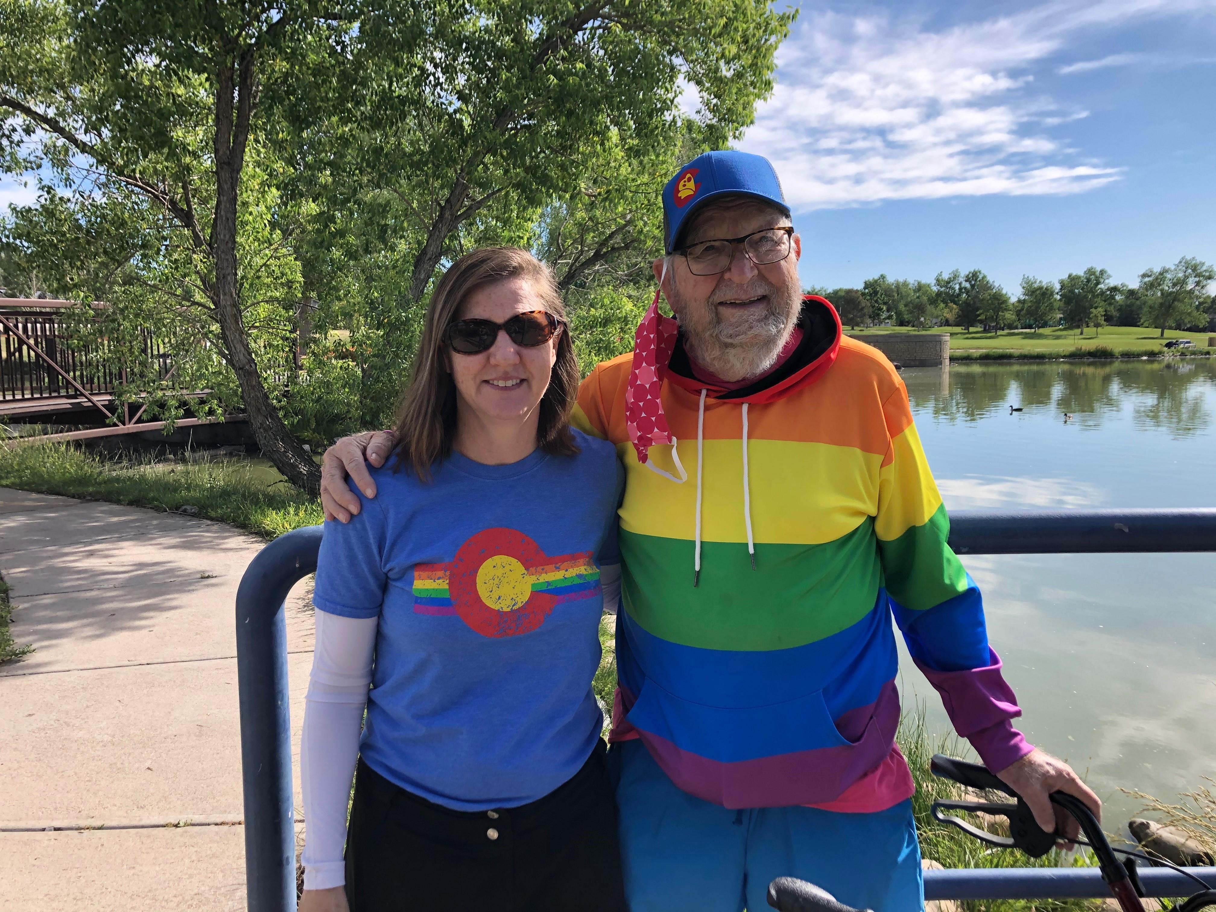 Su hija le confesó hace 25 años que también es homosexual.