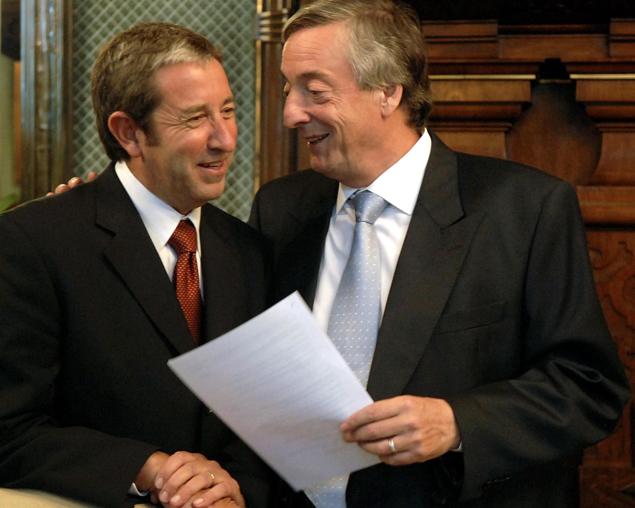 Julio Cobos y Néstor Kirchner en 2006.