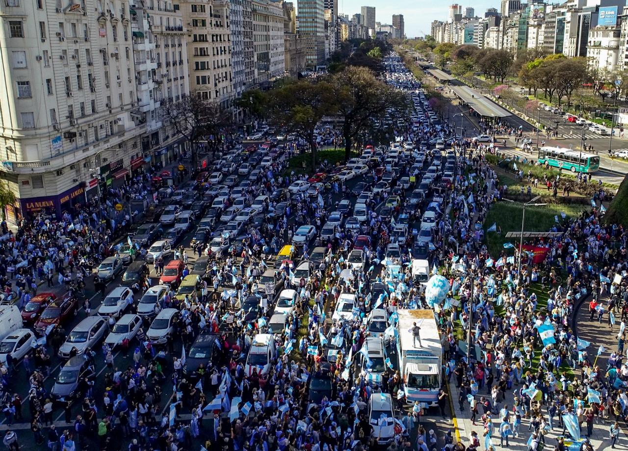 Miles de personas se reunieron en el punto de encuentro por excelencia de Buenos Aires.