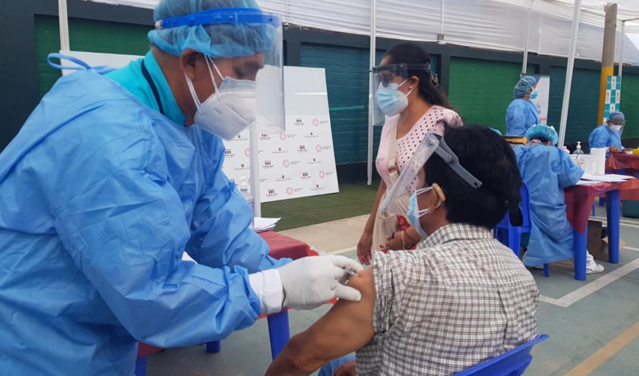 vacunación pueblo libre