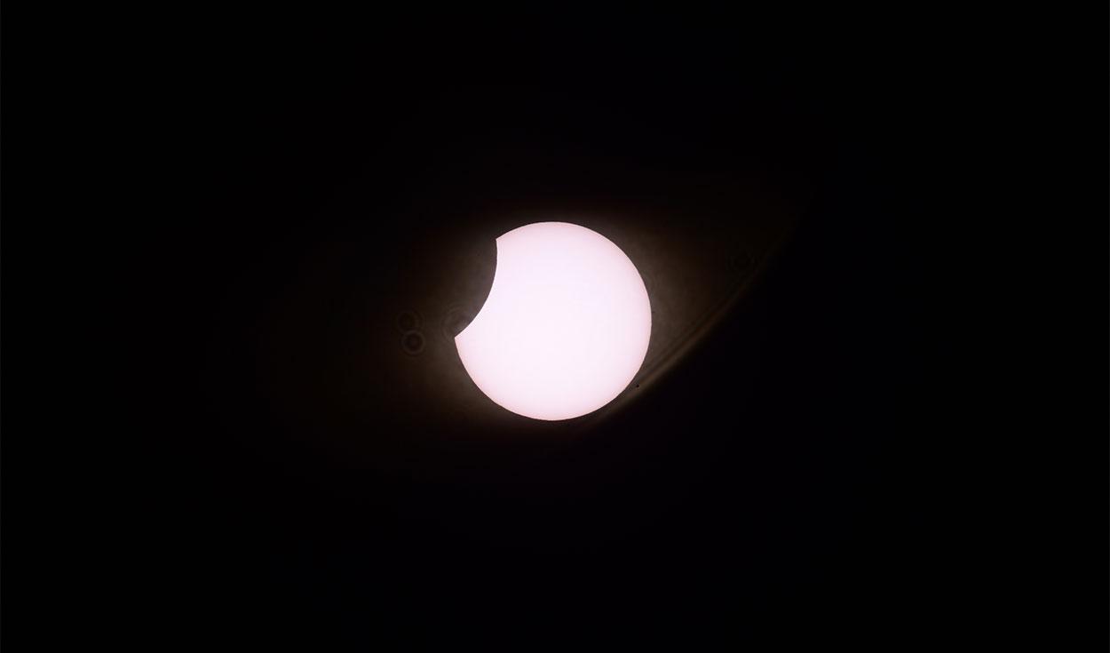 Eclipse solar parcial observado en Neuquén, Argentina.