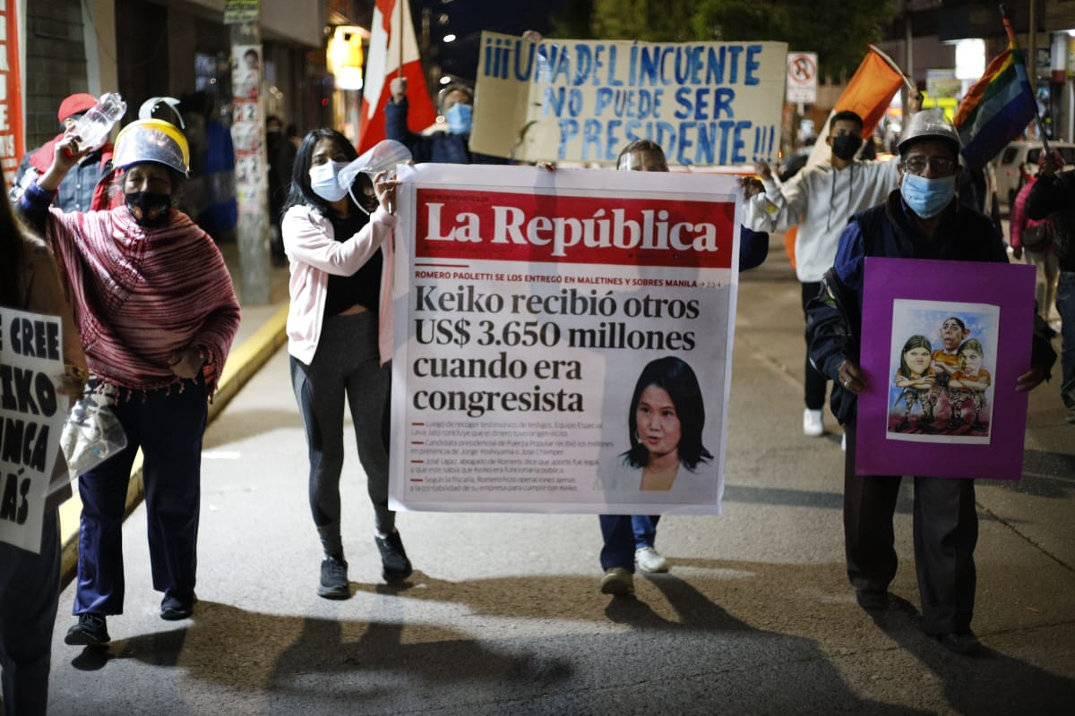 Manifestantes en Tacna expresan su rechazo a Keiko Fujimori. Foto: Miguel Gutiérrez.