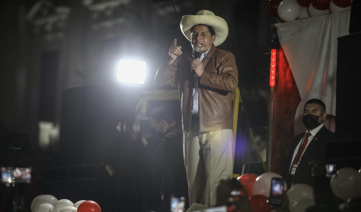 Pedro Castillo llegó a la plaza San San Martín para dirigirse a sus Simpatizantes. Fotos Aldair Mejía/La República