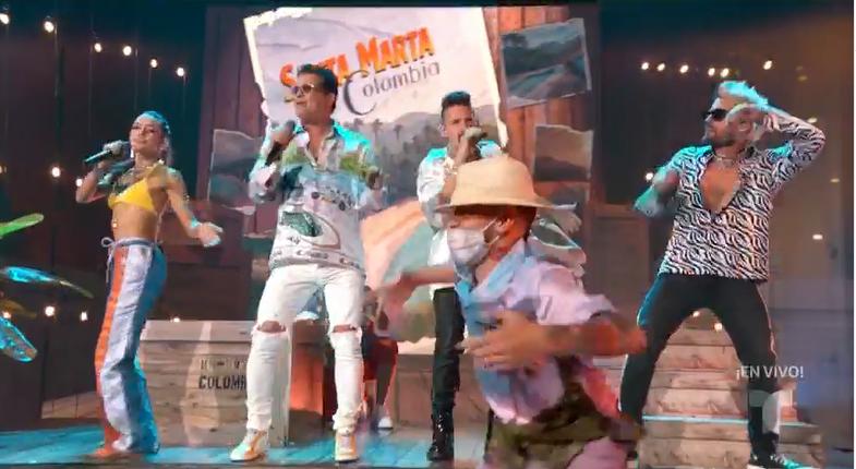 Carlos Vives, Mau y Ricky y Lucy Vives