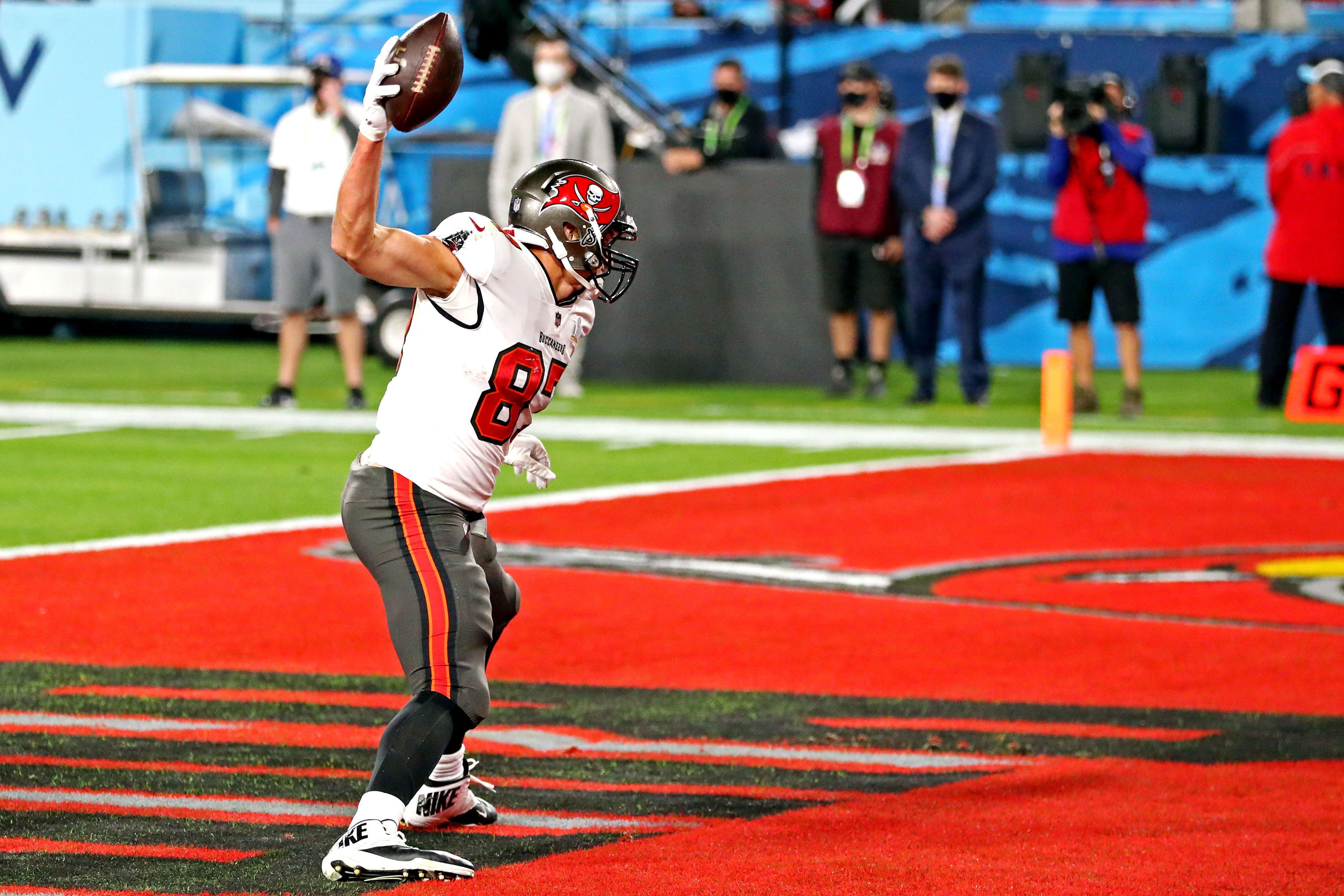 Rob Gronkowski marcó también el segundo touchdown de su equipo y el segundo en su cuenta personal