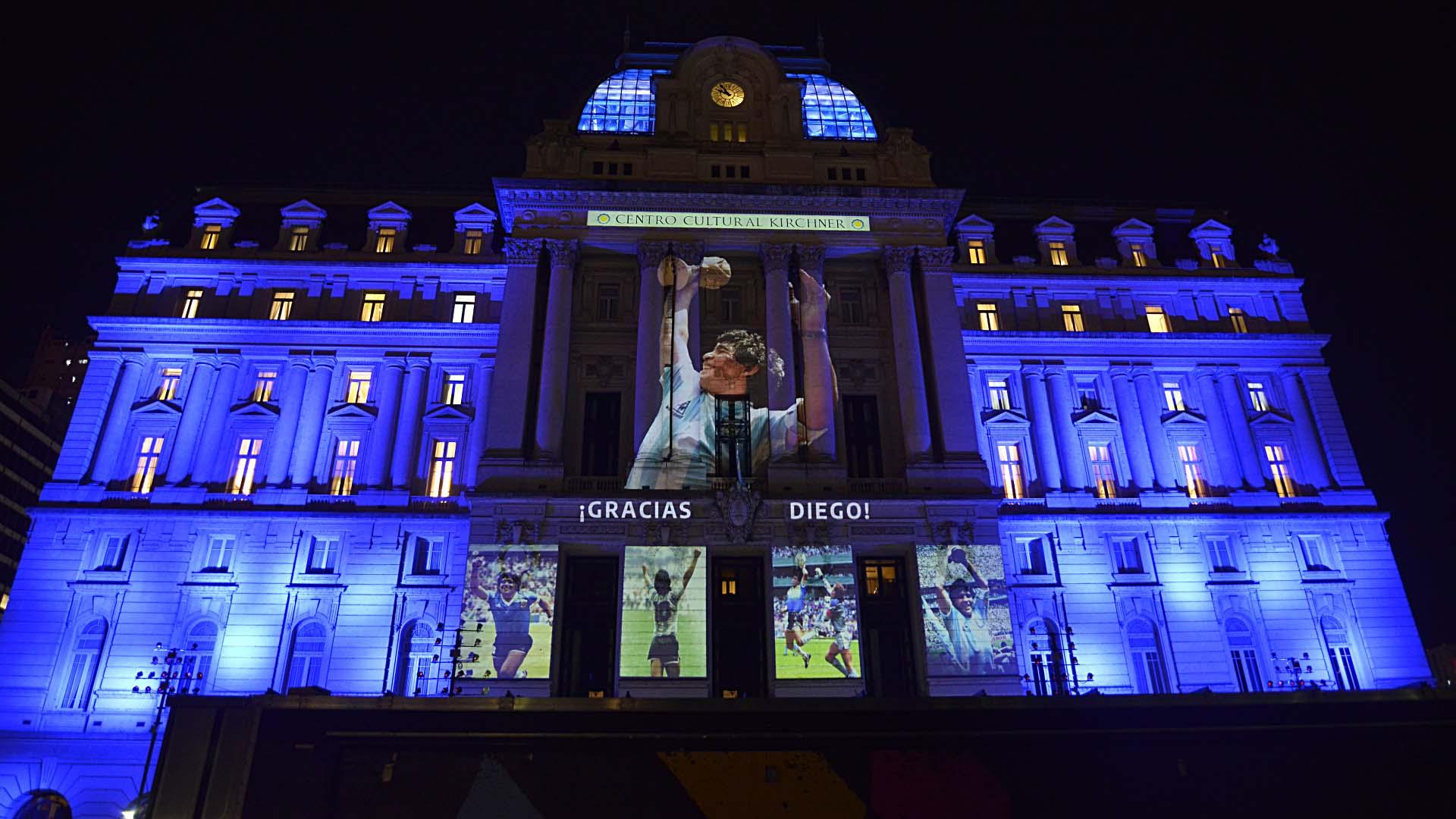 El Centro Cultural Kirchner brindó su homenaje al ídolo