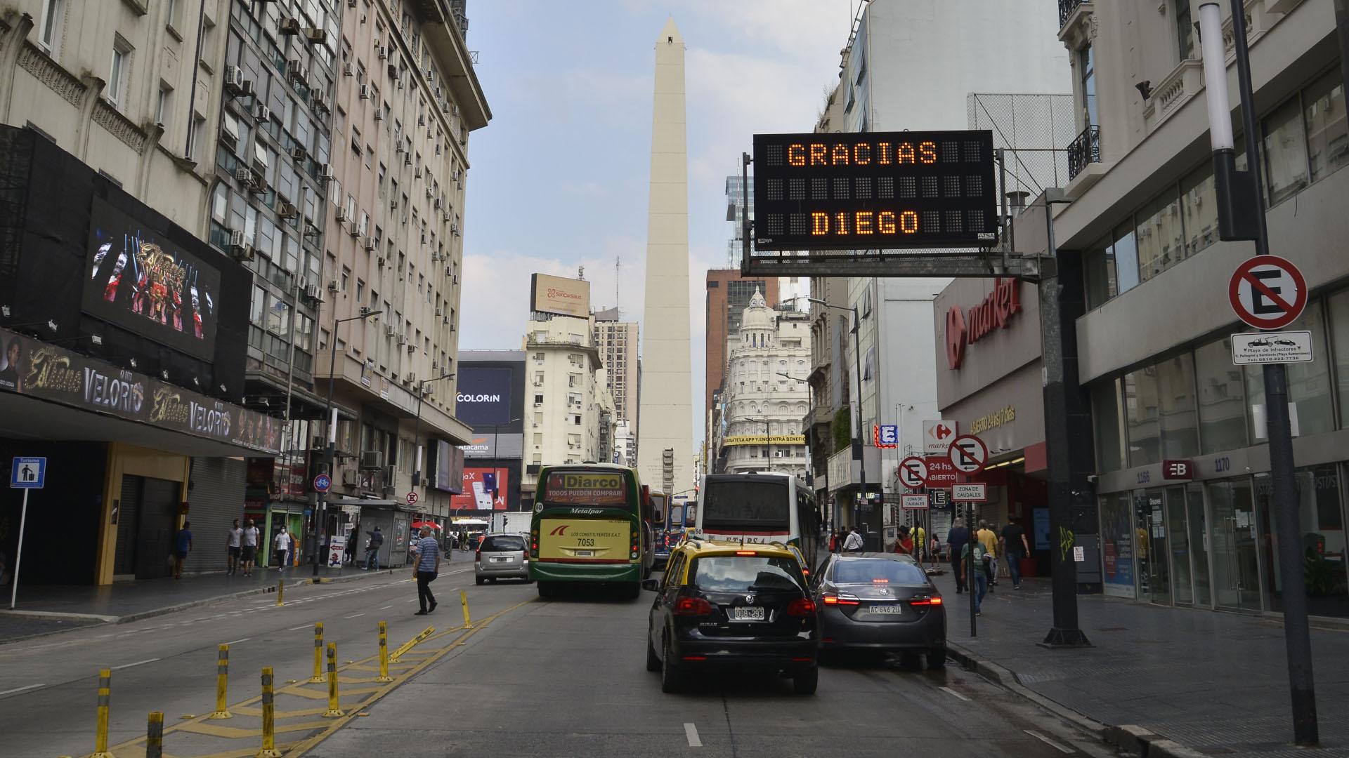 Los carteles de tránsito, también de luto (Gustavo Gavotti)