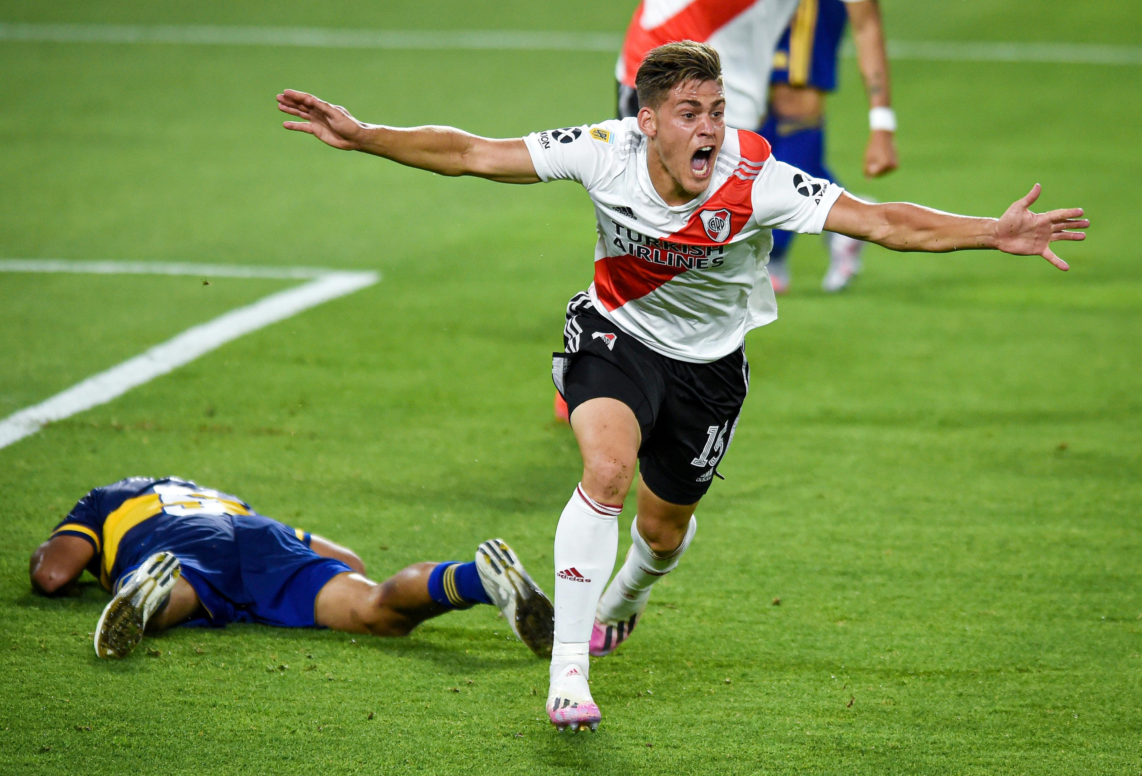 El festejo alojado de Federico Girotti en el momento del 1-1 (REUTERS/Marcelo Endelli)