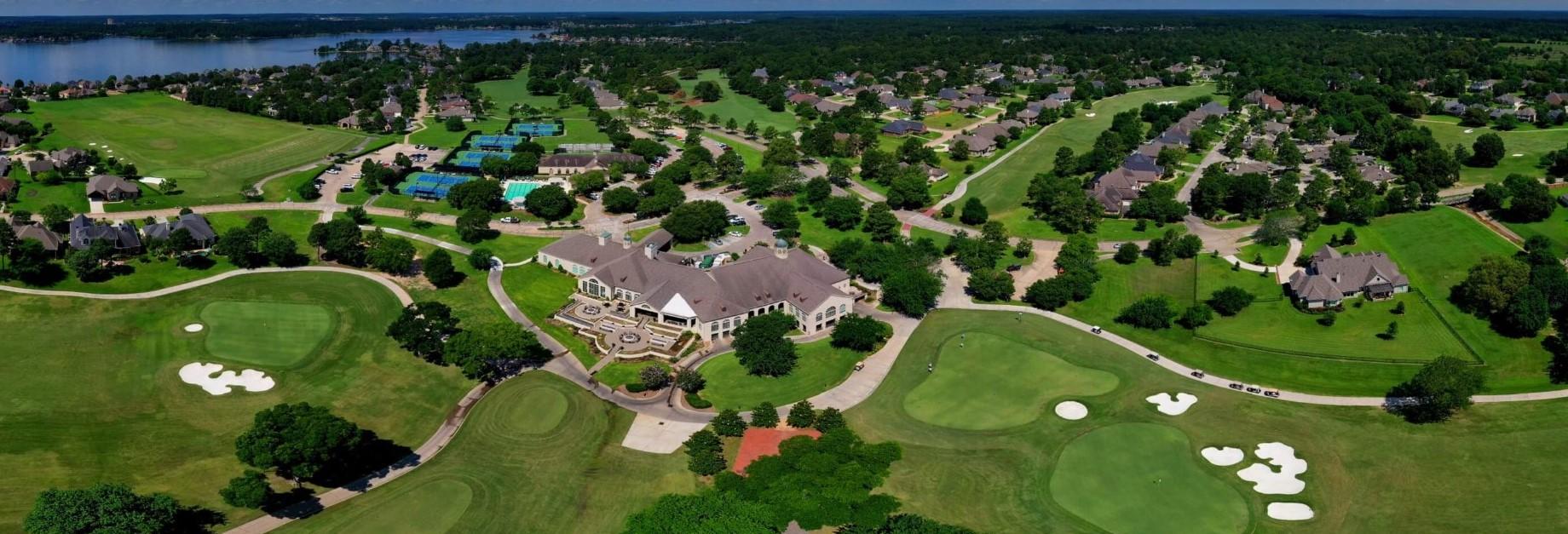 La mansión en Texas se encuentra cerca del lago Conroe, a una hora en auto de Houston (Foto: bentwater.com)