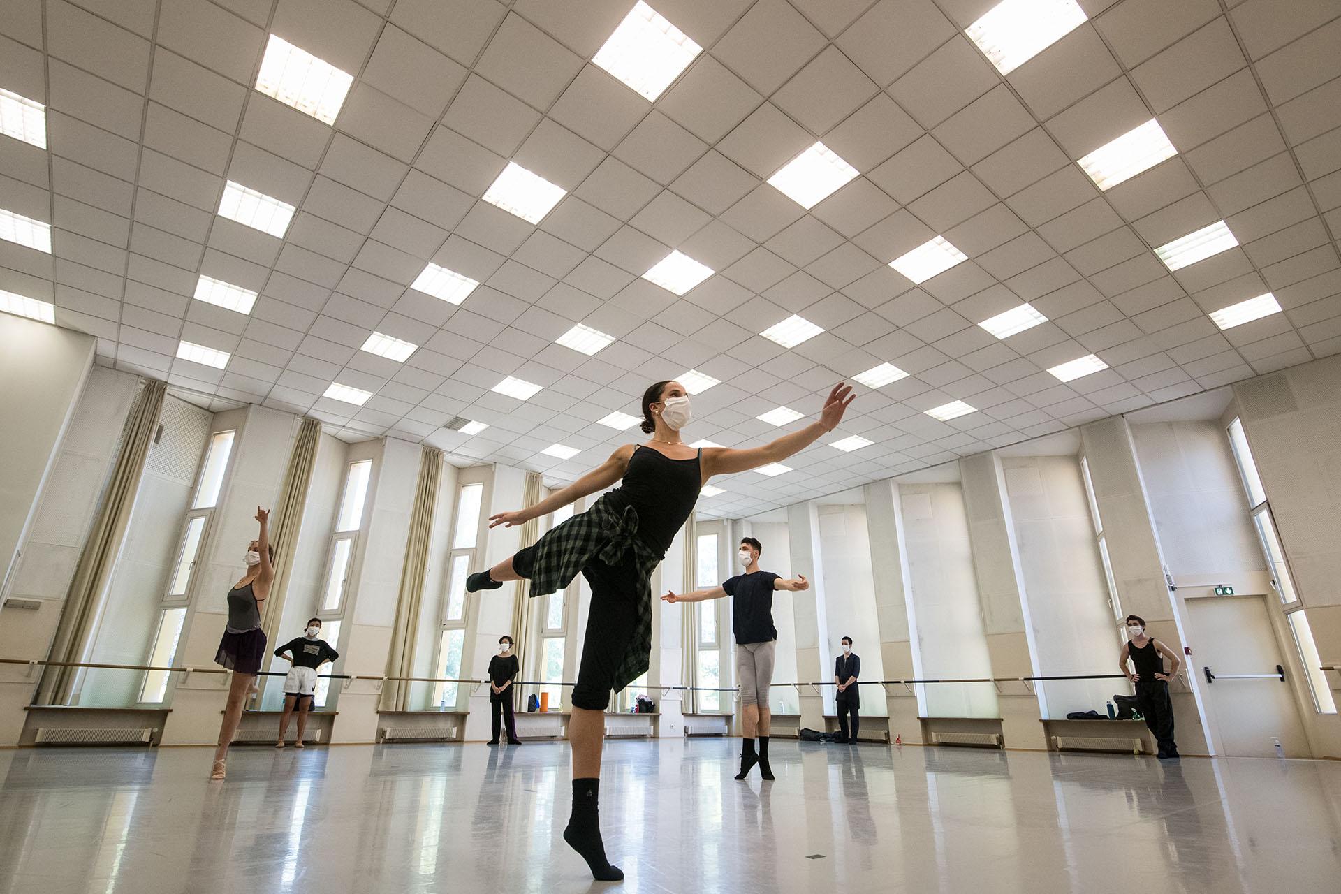 Bailarinas del Ballet du Rhin en un ensayo en Mulhouse, al este de Francia.