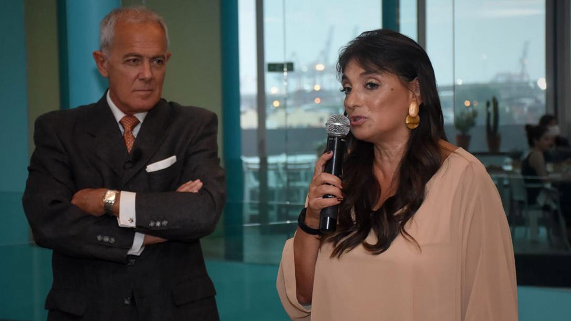 Viviana Zocco, fundadora y CEO del Grupo VI-DA, especializada en desarrollo de productos digitales para la cultura, la educación y los medios de comunicación. Asimismo, es fundadora y CEO de TKM, una plataforma líder de entretenimiento en español, y es líder del capítulo UpWard Women Argentina, red internacional de Mujeres Ejecutivas