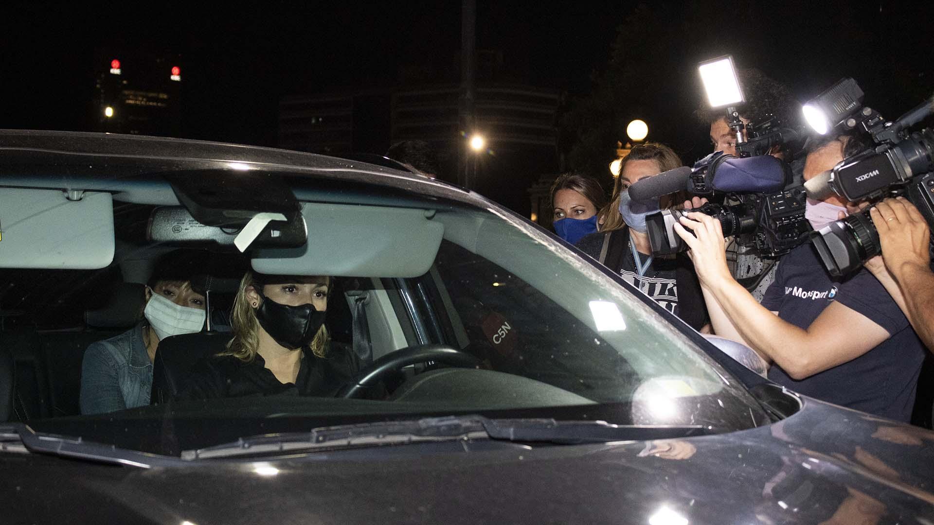 Rocío Oliva apuntó contra la familia de Maradona por negarle el ingreso al velorio íntimo.