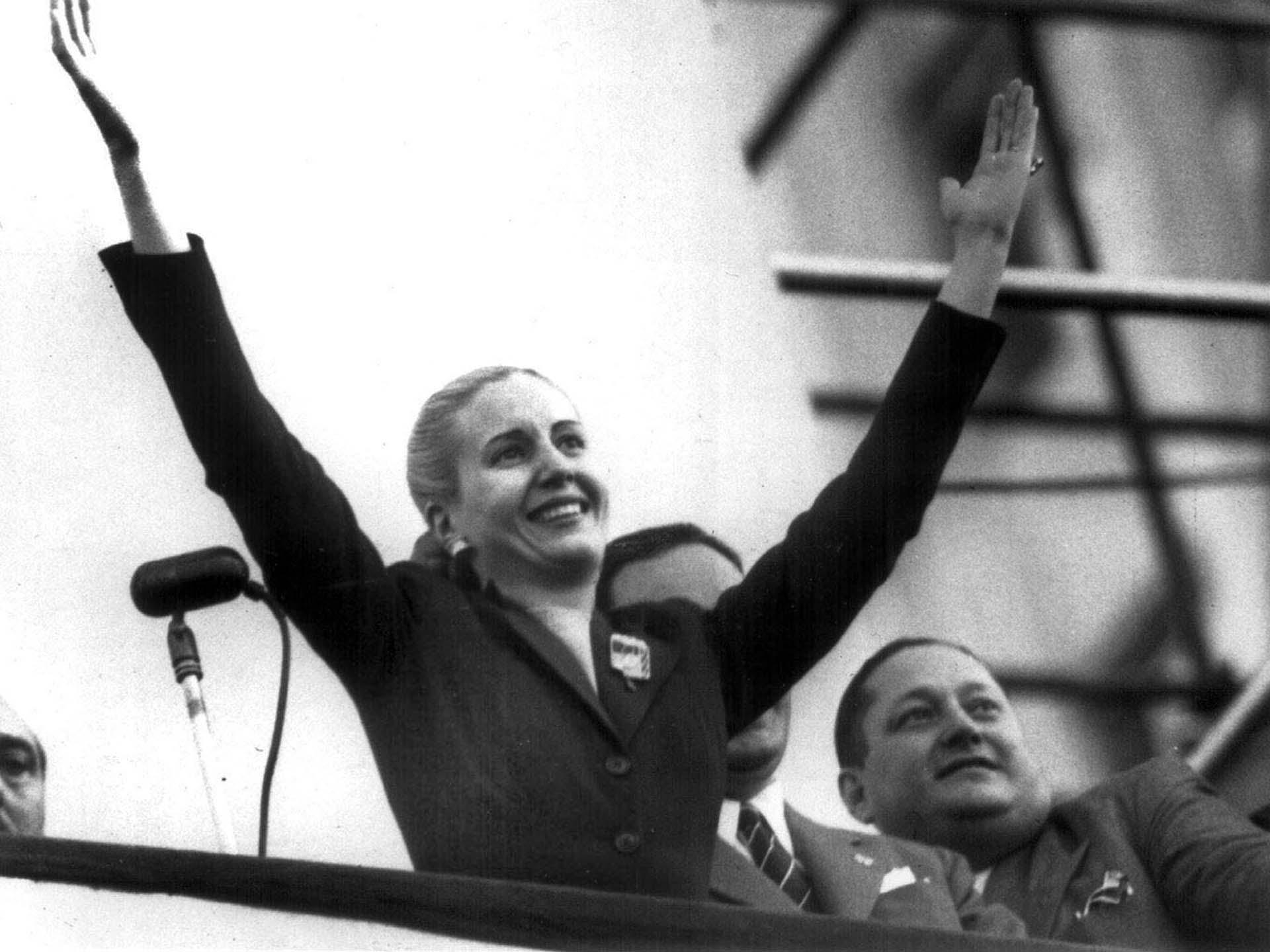 Eva Perón en 33 imágenes: de la niñez al mito en el día de su nacimiento -  Infobae
