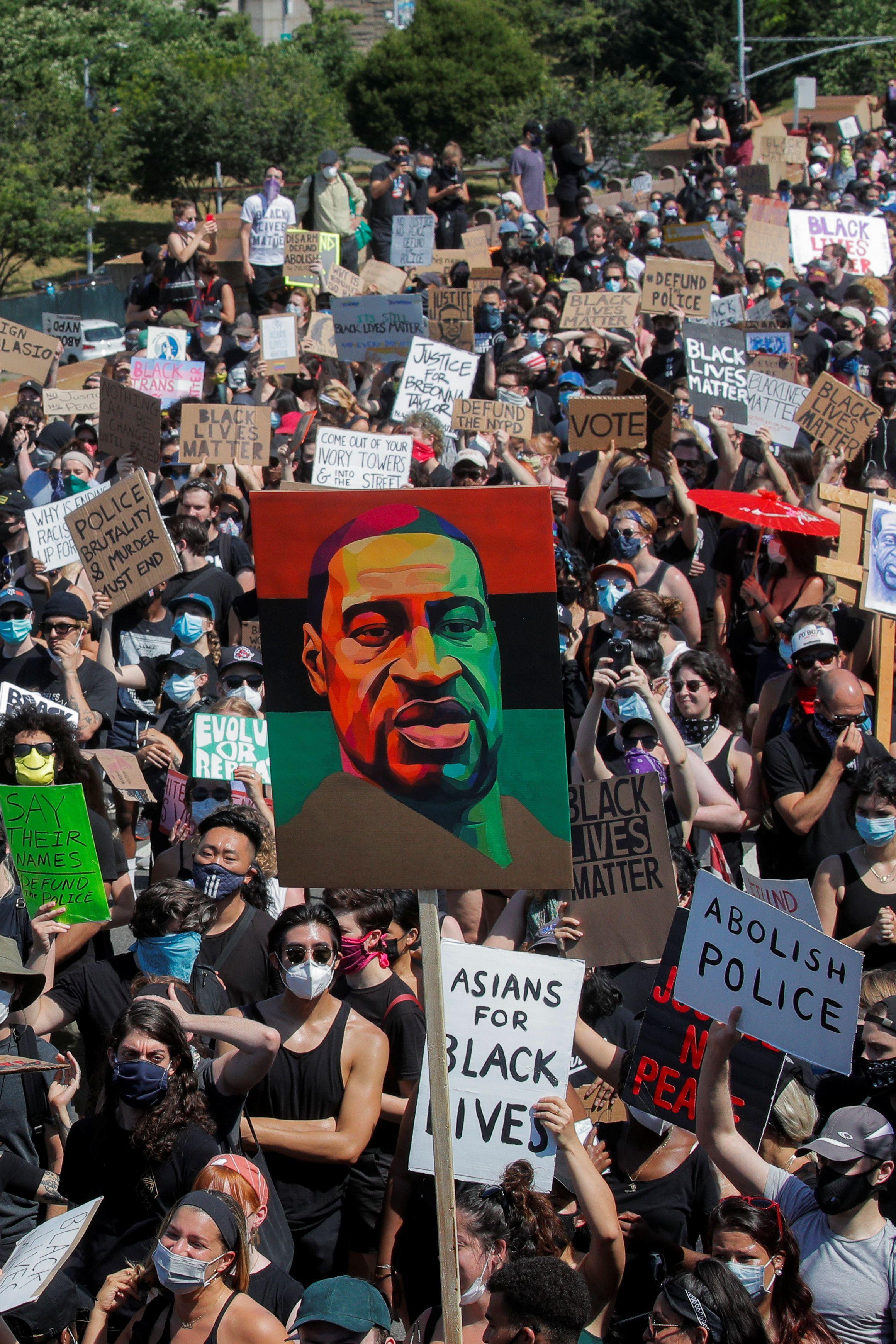 Gente se manifestó en EEUU por Juneteenth, que conmemora el fin de la esclavitud en el país REUTERS/Brendan Mcdermid