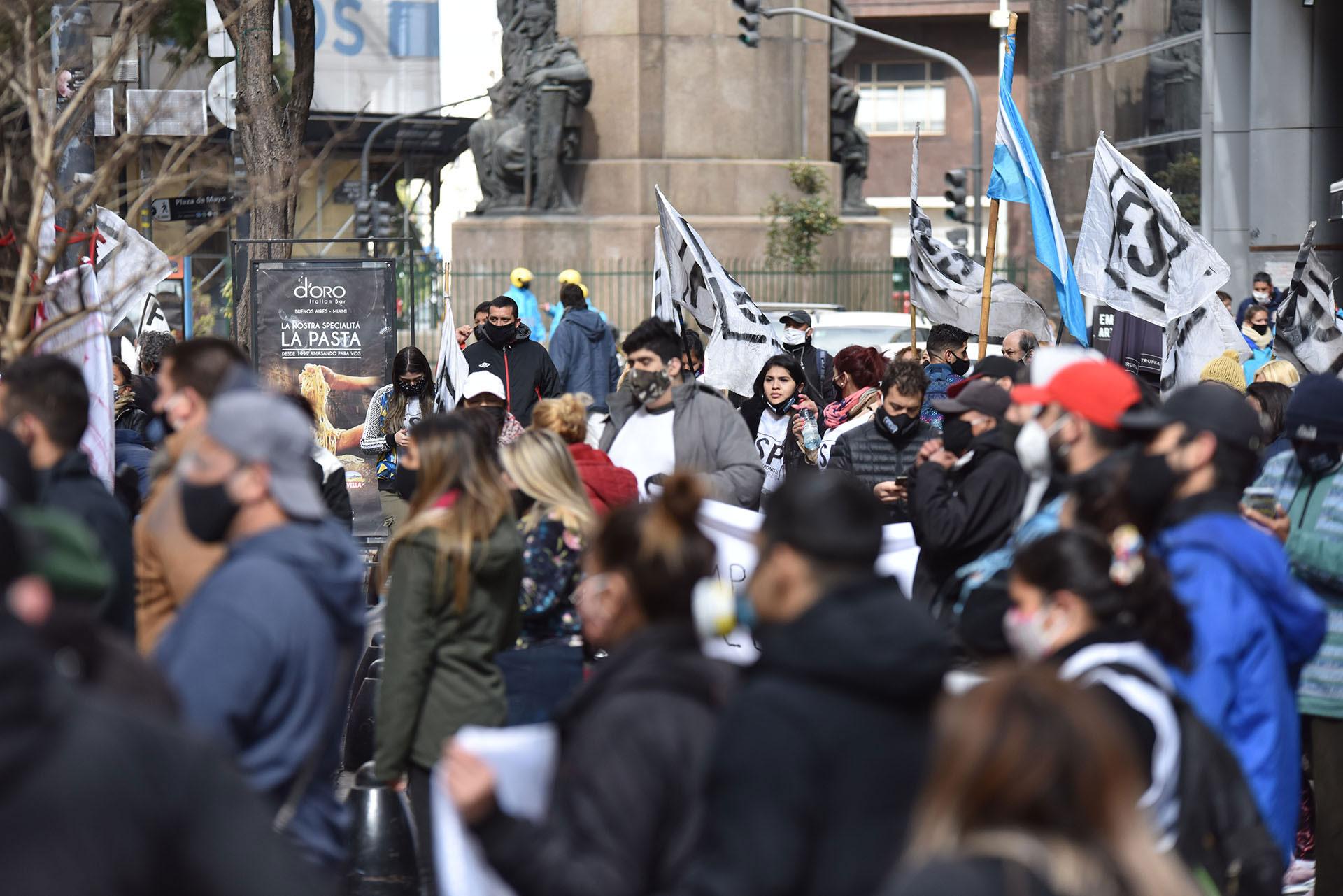 La protesta fue reducida y no generó inconvenientes en el tránsito
