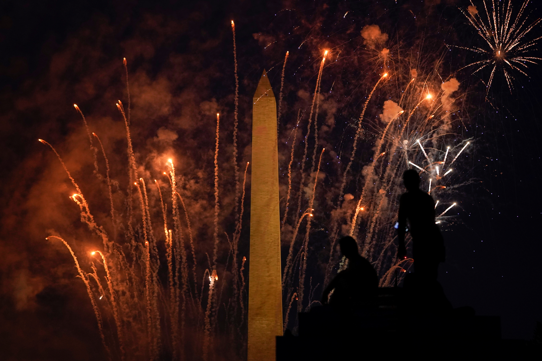 Fuegos artificiales en e obelisco de Washington