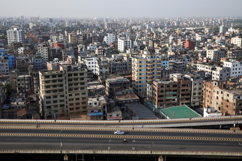Vista aérea de la ciudad de Dhaka, en Bangladesh, durante el confinamiento (REUTERS/Mohammad Ponir Hossain)