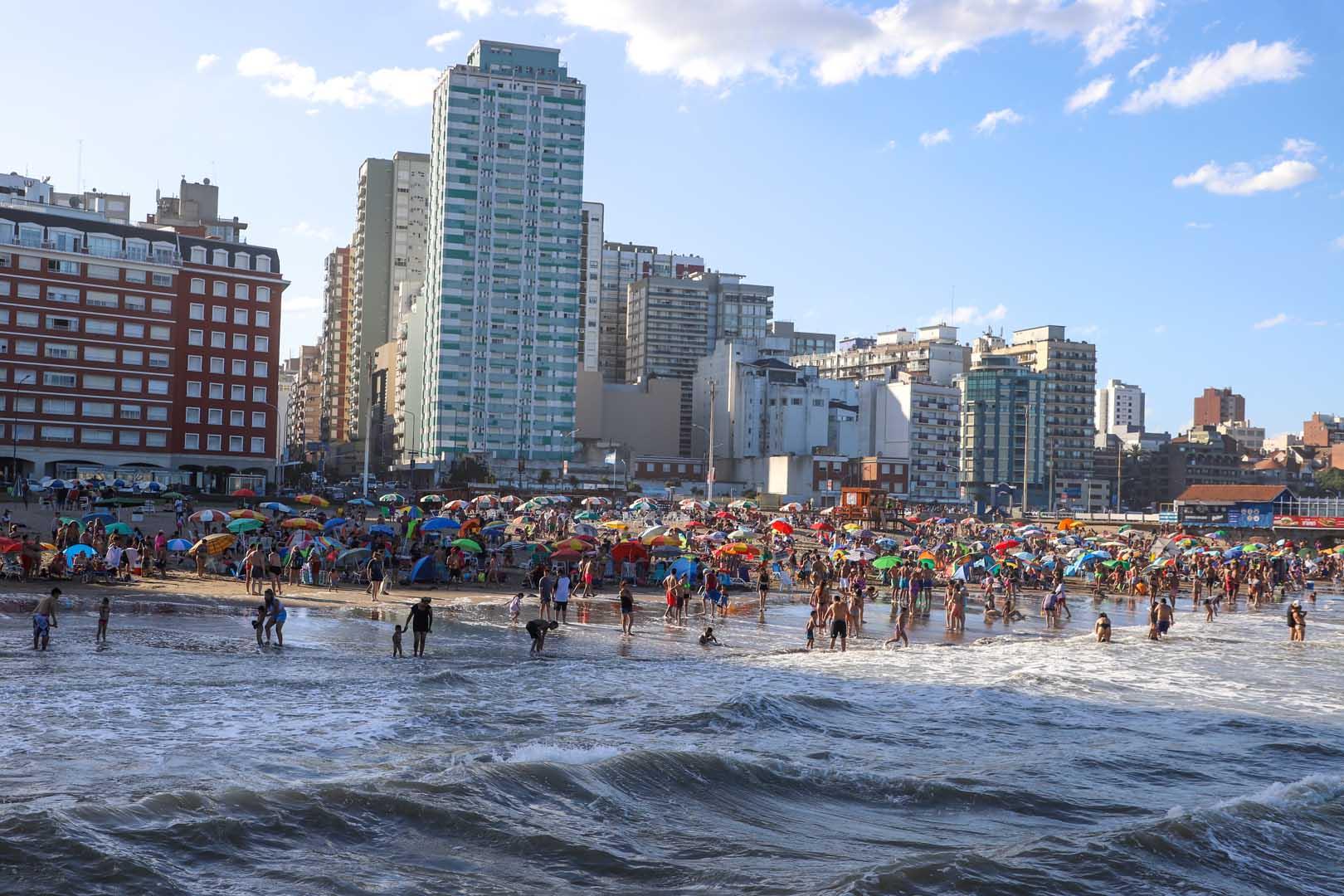 Según el Ministerio de Turismo de la Nación, más de 2.4 millones de personas se movilizaron por todo el país durante el cuarto fin de semana del año