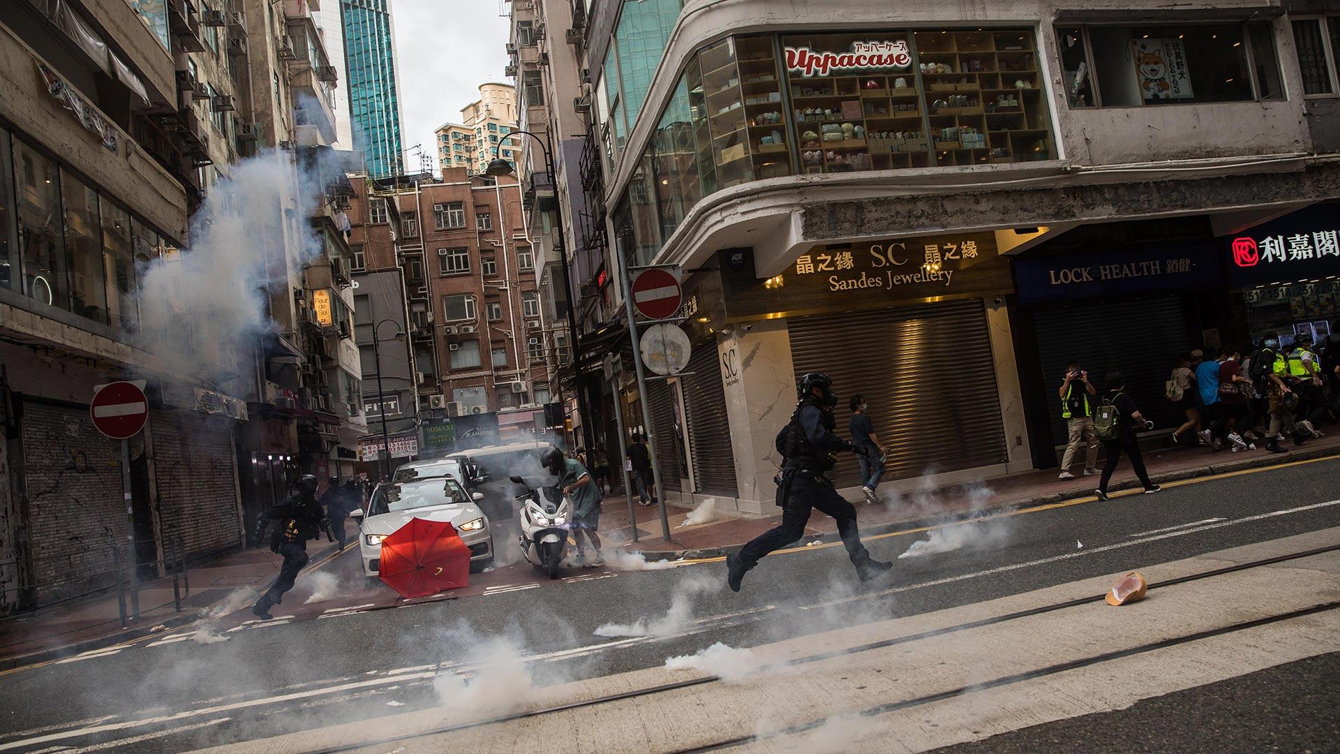 La marcha en la que participan tradicionalmente los hongkoneses en ocasión de este acontecimiento fue prohibida por primera vez por las autoridades