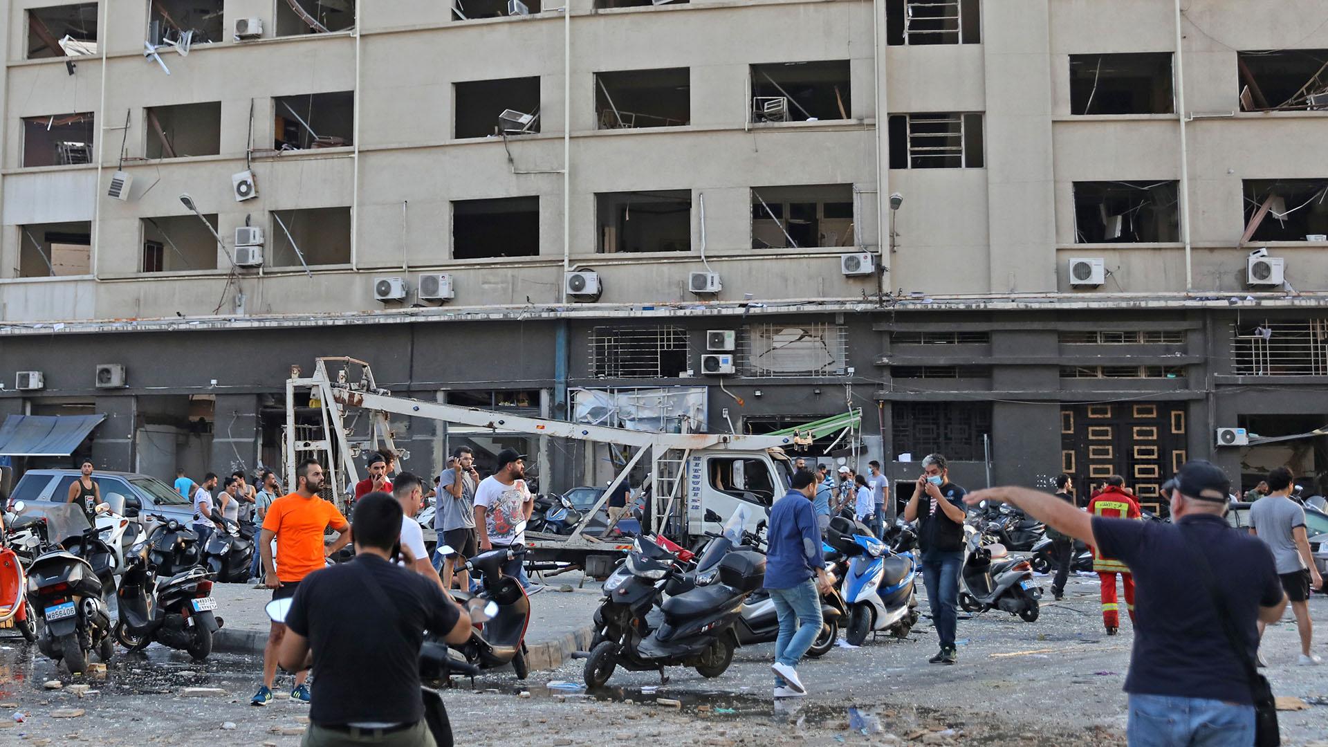 La explosión, que sacudió edificios enteros y rompió cristales, se sintió en varias partes de la ciudad (Foto de Anwar Amro/ AFP)