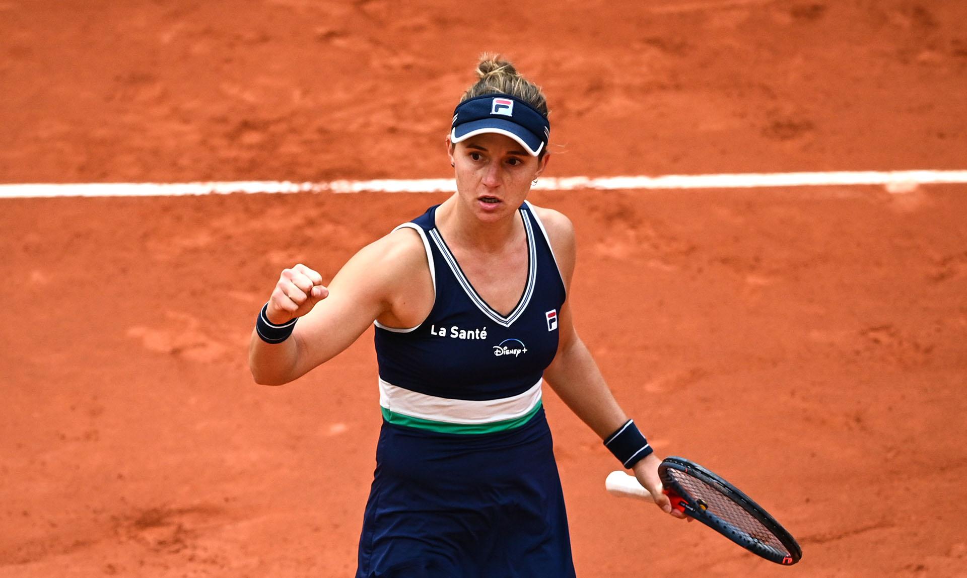 Podoroska se clasificó a las semifinales del Abierto de Francia (Photo by Anne-Christine POUJOULAT / AFP)
