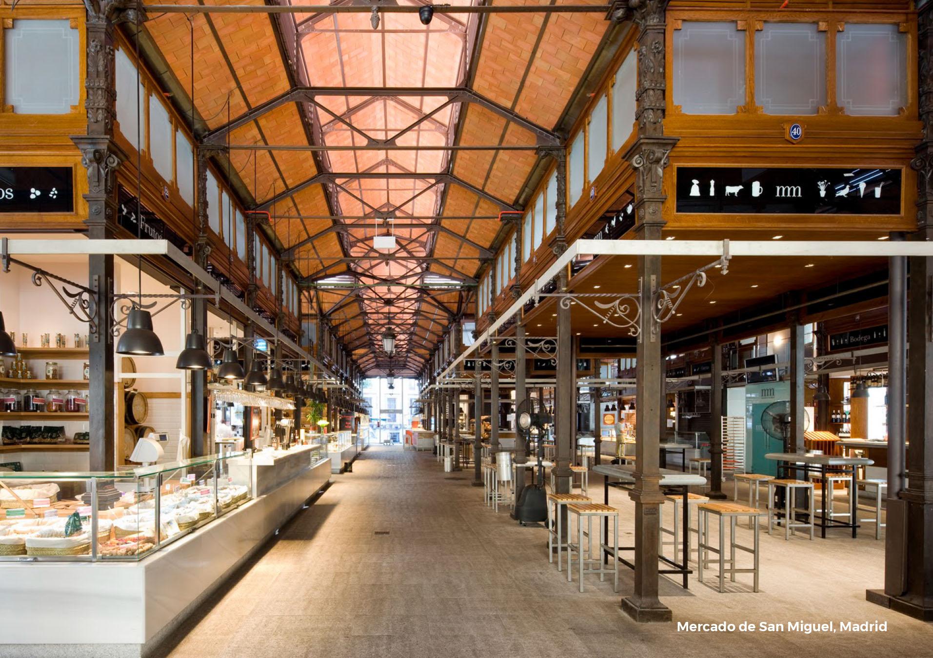 Se inspira en el tradicional Mercado San Miguel de Madrid, España. Con más de un siglo, es uno de los centros de gastronomía española más famosos del mundo