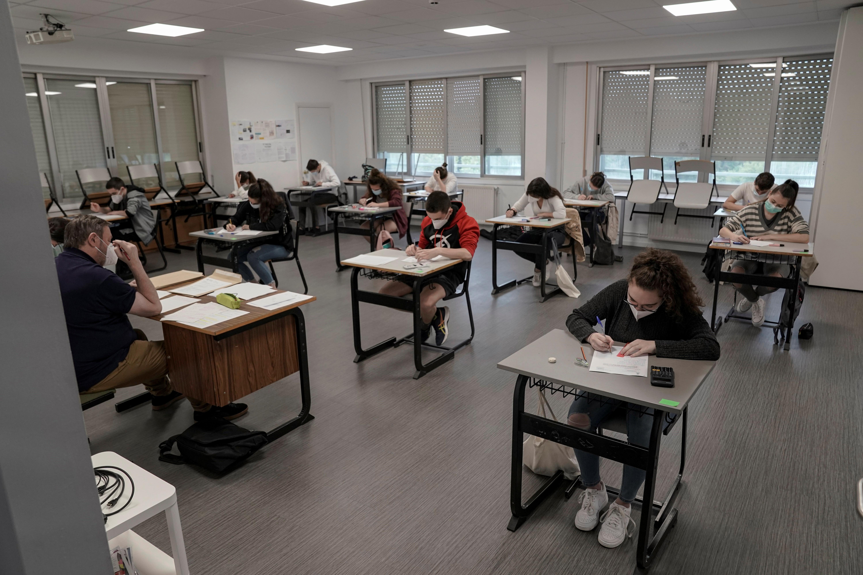 Estudiantes en la escuela Axular Lizeoa de San Sebastián, en el País Vasco (REUTERS/Vincent West)