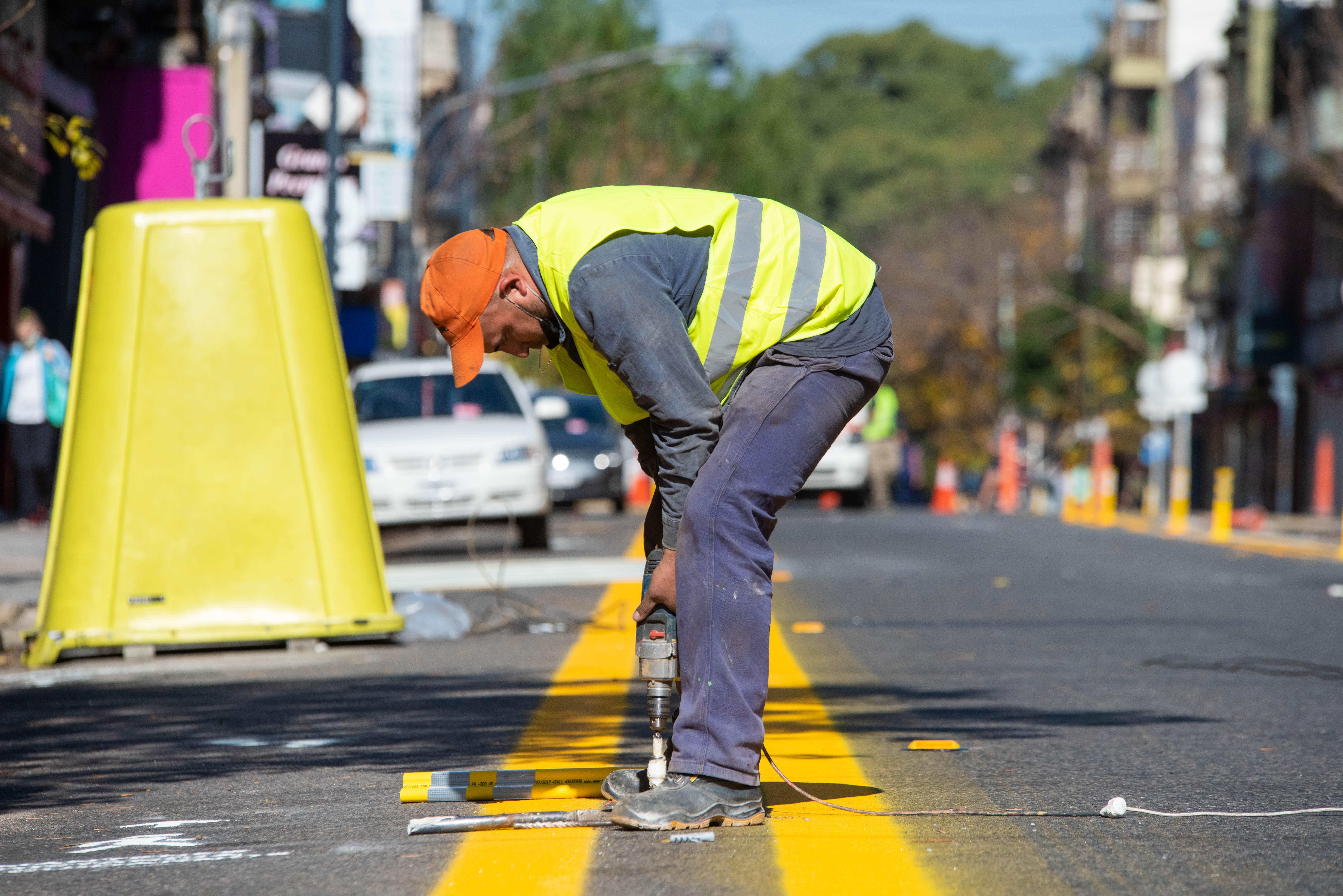 En todos los casos de transformación de las calles en espacios para peatones no se afectará el ingreso de los frentistas a sus garajes