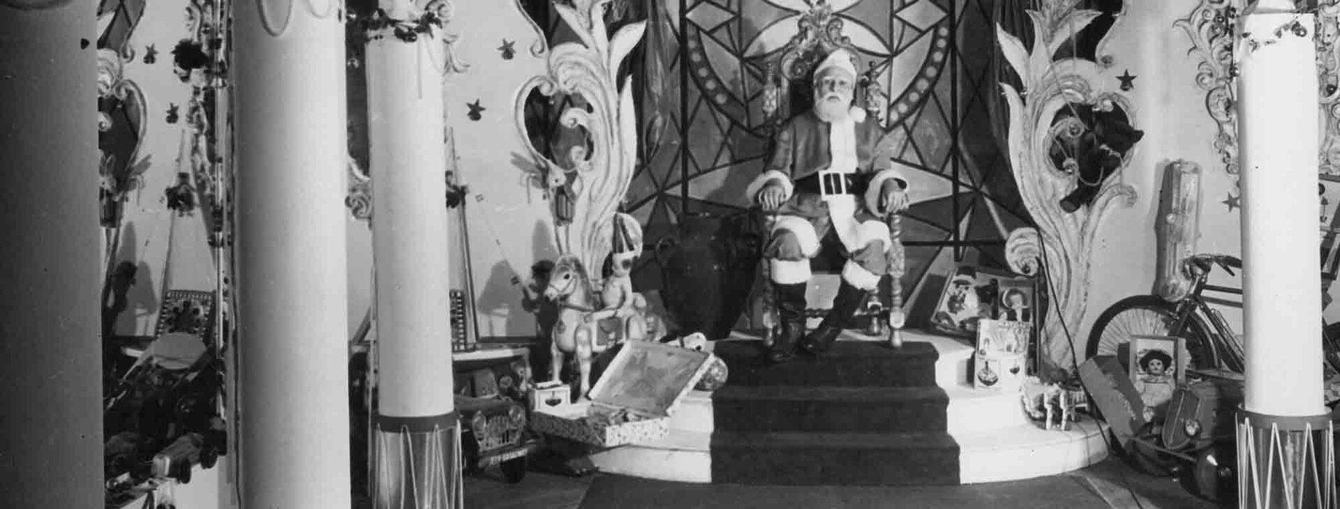 Un clásico de diciembre: los niños iban a ver a Papá Noel en Harrods (Archivo General de la Nación)